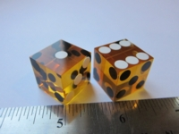 Dice : d6 0p75inch casino amber black white