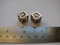 Dice : d6 15mm brass floating face red pips