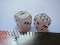 Dice : d6 15mm rose quartz