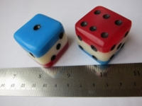 Dice : d6 1p5inch layered red white blue rounded