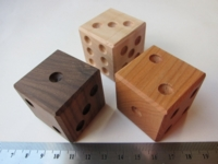 Dice : d6 1p5inches maple cherry walnut
